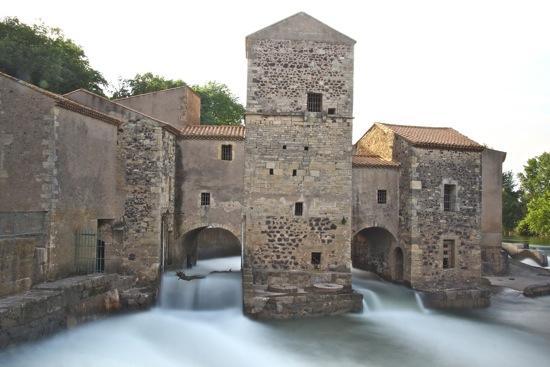 B4300153-Le Vieux Moulin...