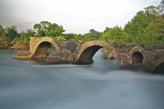 B4300162-Et le Pont Romain