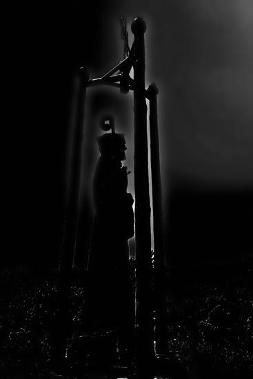 B7066536-Prière au clair de lune...
