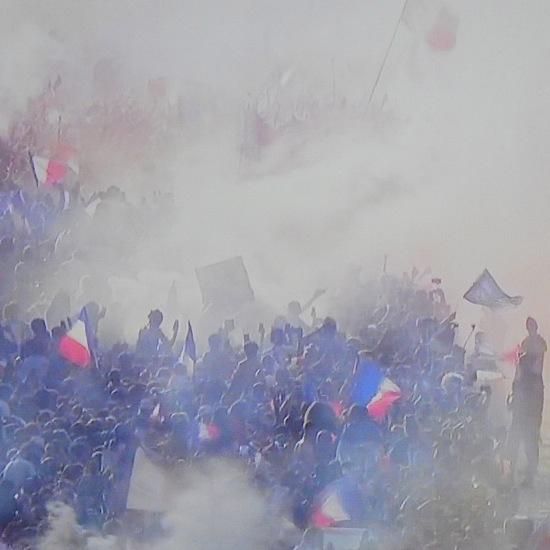E7166207-Révolution !