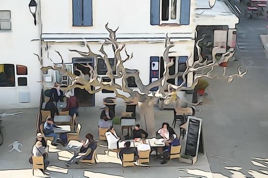 F2273625-Déjeuner en terrasse