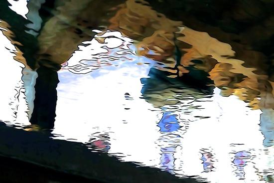 F4137501-Reflet au lavoir