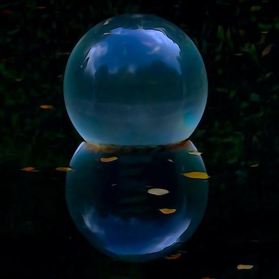 F9223089-Boules de cristal !
