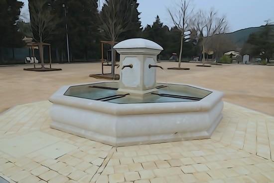 H3041131-Le Cannet-Une fontaine